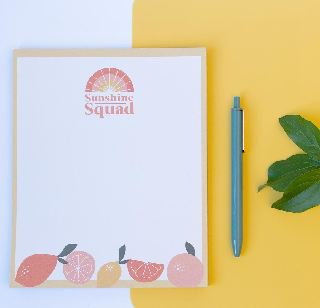 Notepad set with a pen