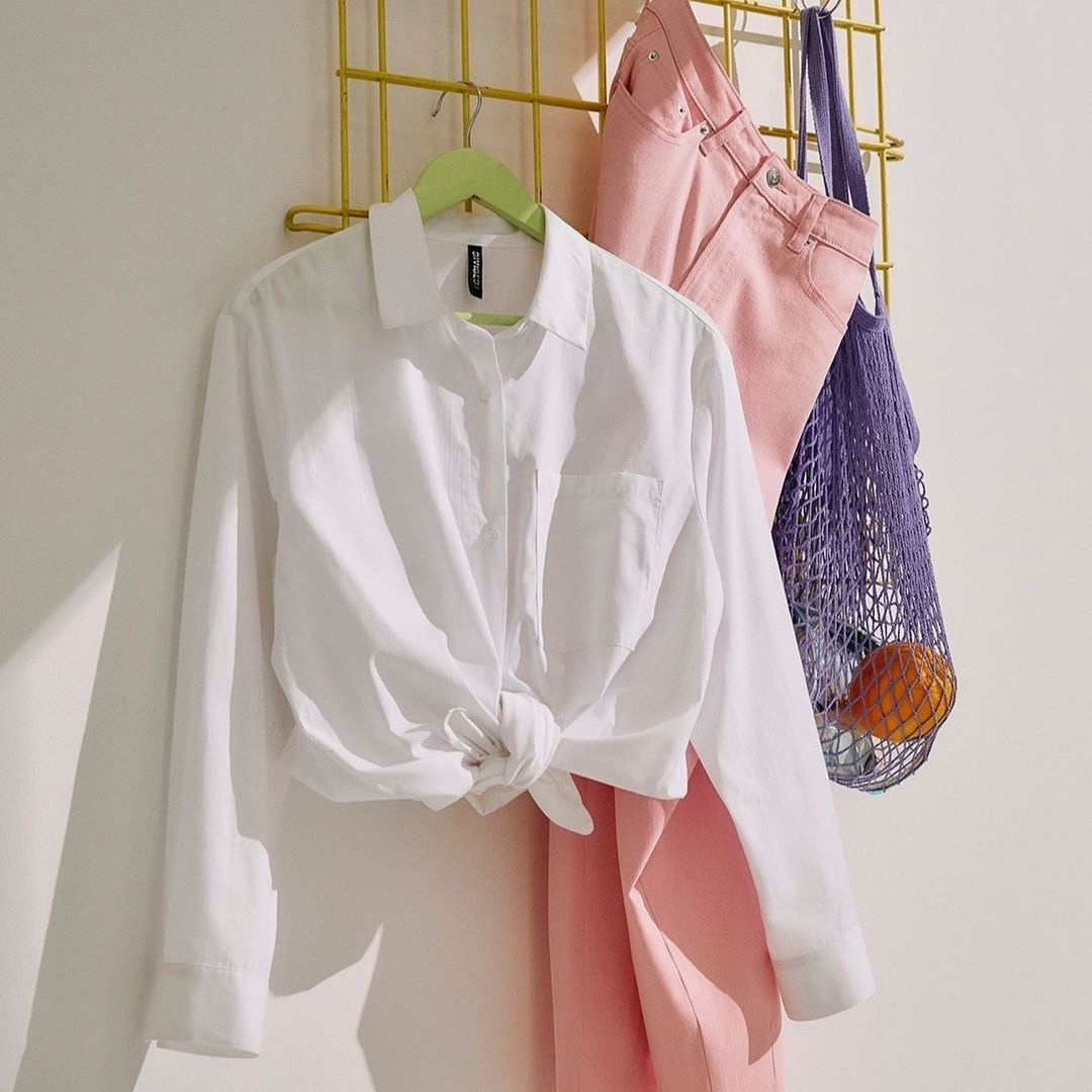 Cotton blouse and pink pants